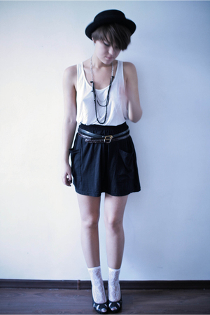 H&M hat - American Apparel t-shirt - American Apparel skirt - second hand belt -