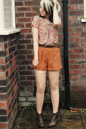 dark brown Matalan boots - burnt orange Matalan shorts