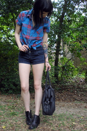 blue plaid sw top - black bag Bag bag - navy high waisted f21 shorts
