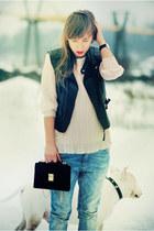 black Very vest