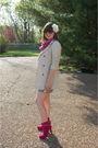 Blue-vintage-shorts-white-hanes-t-shirt-beige-zara-jacket-pink-mixx-shoes-