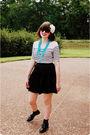 White-vintage-t-shirt-black-wilster-skirt-blue-unbranded-necklace-black-vi