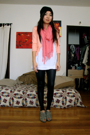 gray f21 boots - white oversized H&M t-shirt