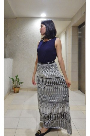 white maxi skirt Australia skirt - navy peplum cotton on top - black asos flats