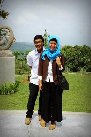 brown blazer - white shirt - blue cotton scarf - black maxi skirt