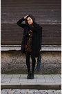 Sacha-boots-roses-missguided-dress-zara-coat-zerouv-glasses