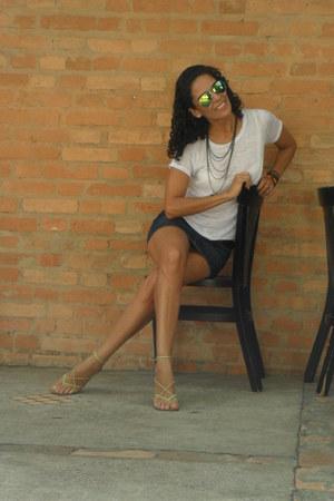 chartreuse Ray Ban sunglasses - navy Renner skirt