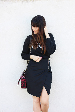 wrap Kardashian Kollection skirt