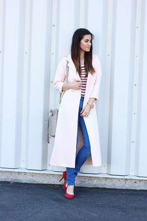 red striped bodysuit - long coat coat - jeans - bag - sunglasses