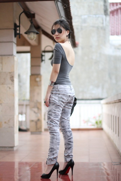 gray cotton on blouse - silver Forever 21 jeans - black Ray Ban sunglasses - bla