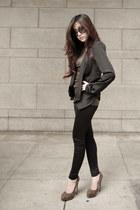 crimson brian atwood heels