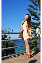 bronze glamour puss heels - peach chiffon dress - burnt orange Witchery bag