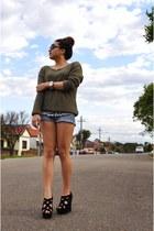 black tony bianco wedges - blue Wrangler shorts - army green Sportsgirl jumper
