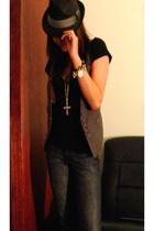 agent99 t-shirt - vest - J&Co jeans - asos - diva