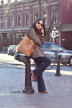 brown bucket Mezzi bag