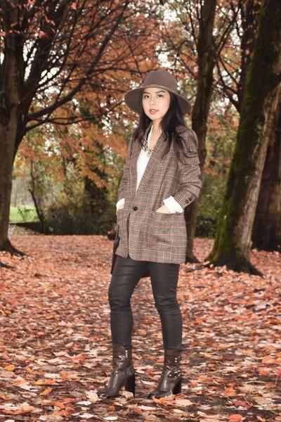 light brown Zara blazer - dark brown Zara boots - black Mansur Gavriel bag