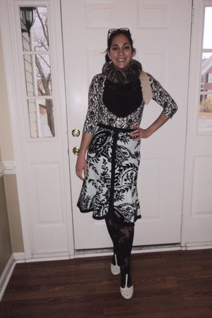 black blouse - Anthropologie tights - eggshell faux fur Anthropologie scarf