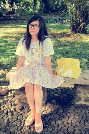 off white t-shirt - yellow bag - salmon socks - light pink skirt - ivory sandals