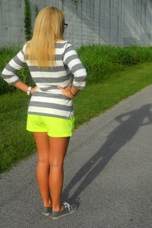neon J Crew shorts - stripes Gap top - gray Vans sneakers