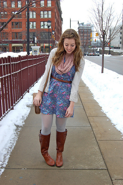 Brown Boots Sky Blue Dresses Cream Sweaters Light Pink