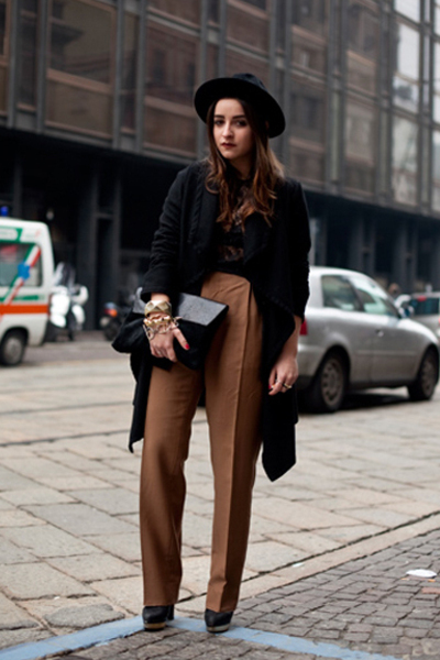 Black Dolce&Gabbana Tops, Black Valentino Belts, Brown Vintage ...