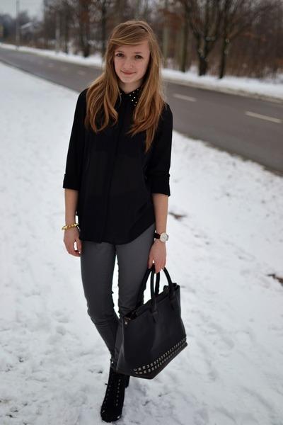 black tideshe shirt