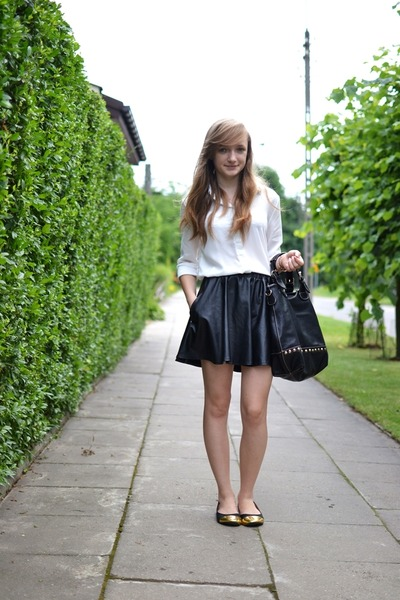 black tideshe skirt