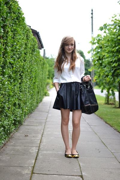 black tideshe skirt