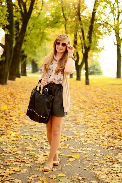 beige aupie shirt - light brown zeroUV sunglasses - black tideshe skirt
