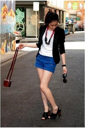 agent ninetynine t-shirt - bardot blazer - Topshop shorts - Midas shoes - vintag