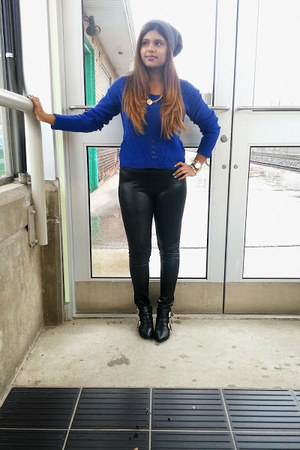 blue Charlotte Russe sweater - black Charlotte Russe boots