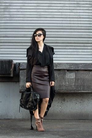 black Lulus coat - brown Shoedazzle boots - black she  lo purse