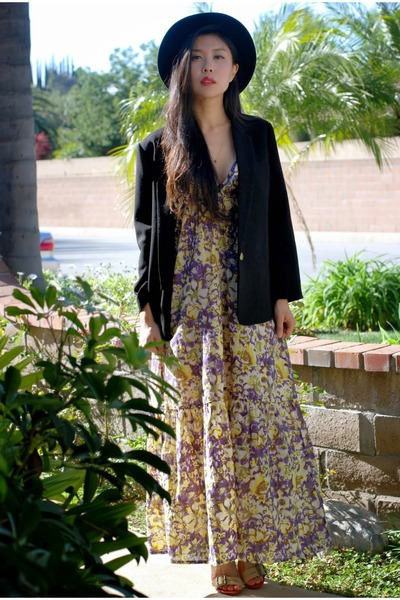black hat - light yellow valerija dress - black Line & Dot blazer