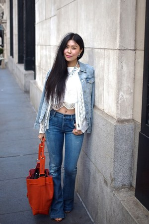 denim Levis jacket - flare goldsign jeans - drawstring Vince Camuto bag