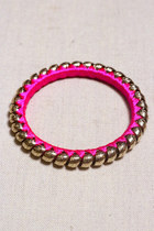 Hot-pink-goodnight-macaroon-accessories