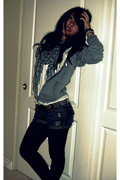 gray cali scarf - gray Steve Madden shoes - gray hollister jacket