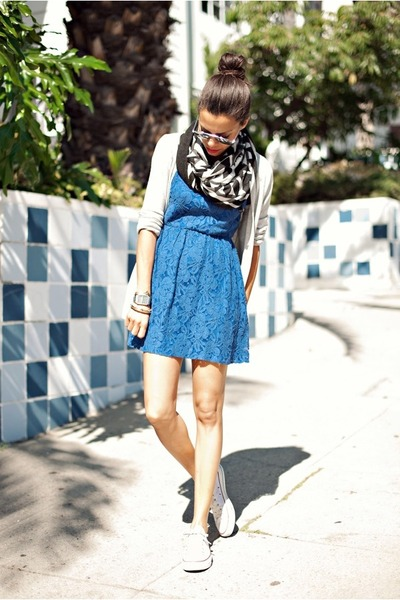 blue Urban Outfitters dress - black DC scarf