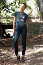 crimson vintage boots - navy BDG jeans - black vintage t-shirt