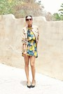 Yellow-thrifted-vintage-dress-tan-club-monaco-jacket-black-dolce-vita-pumps