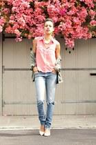 hot pink Doris Apparel top - blue Wrangler jeans