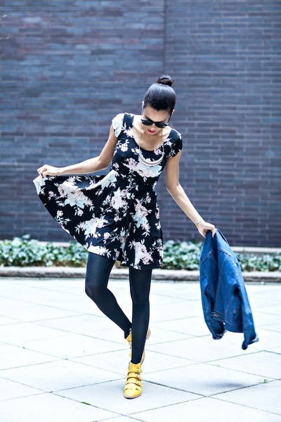 gold Modern Vice boots - black Urban Outfitters dress