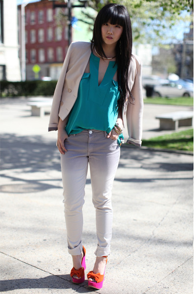 turquoise blue BCBG top - silver BCBG jeans - light pink H&M blazer