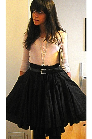 black lolita paris skirt - black Max shoes - beige H&amp;M shirt