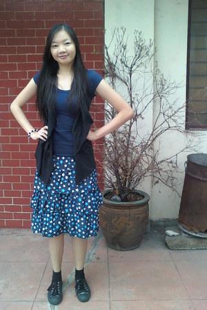 shirt - sm department store sneakers - skirt - vest