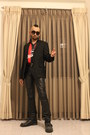 Black-leather-boots-black-woolen-blazer-red-polyester-shirt