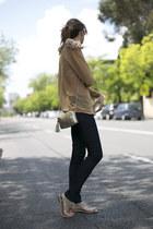 Fernando Claro blouse - salsa jeans - Lacambra bag - Uterque flats