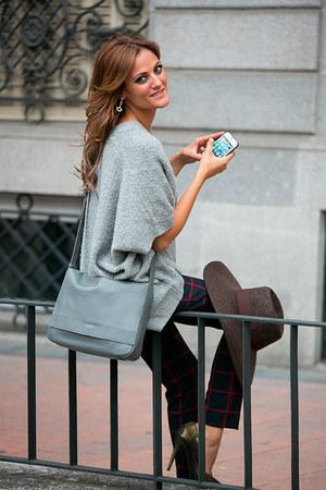 Lacambra bag - Uterque hat - Zara pants - Uterque cardigan