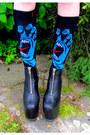 Black-das-boot-unif-shoes-black-jersey-santa-cruz-shirt