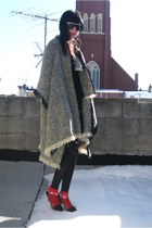 heather gray fringed vintage cape