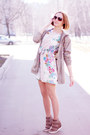 Love-dress-asos-wedges-uniqlo-hoodie
